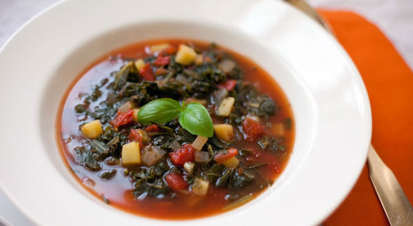Healthy Tomato Minestrone Soup Recipe