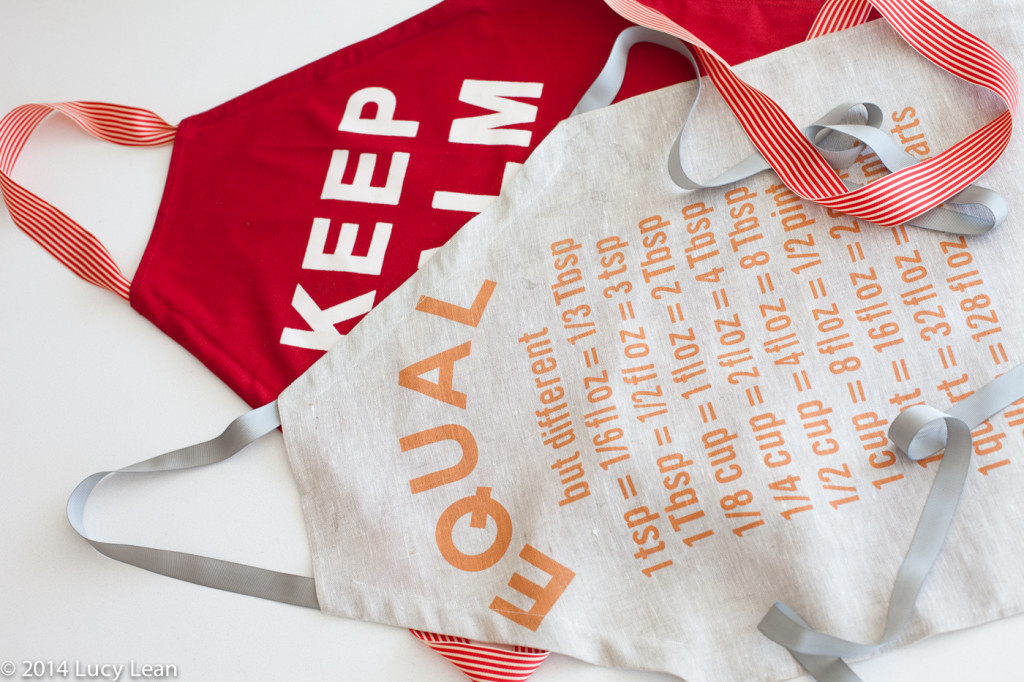 How to make an apron from a tea towel
