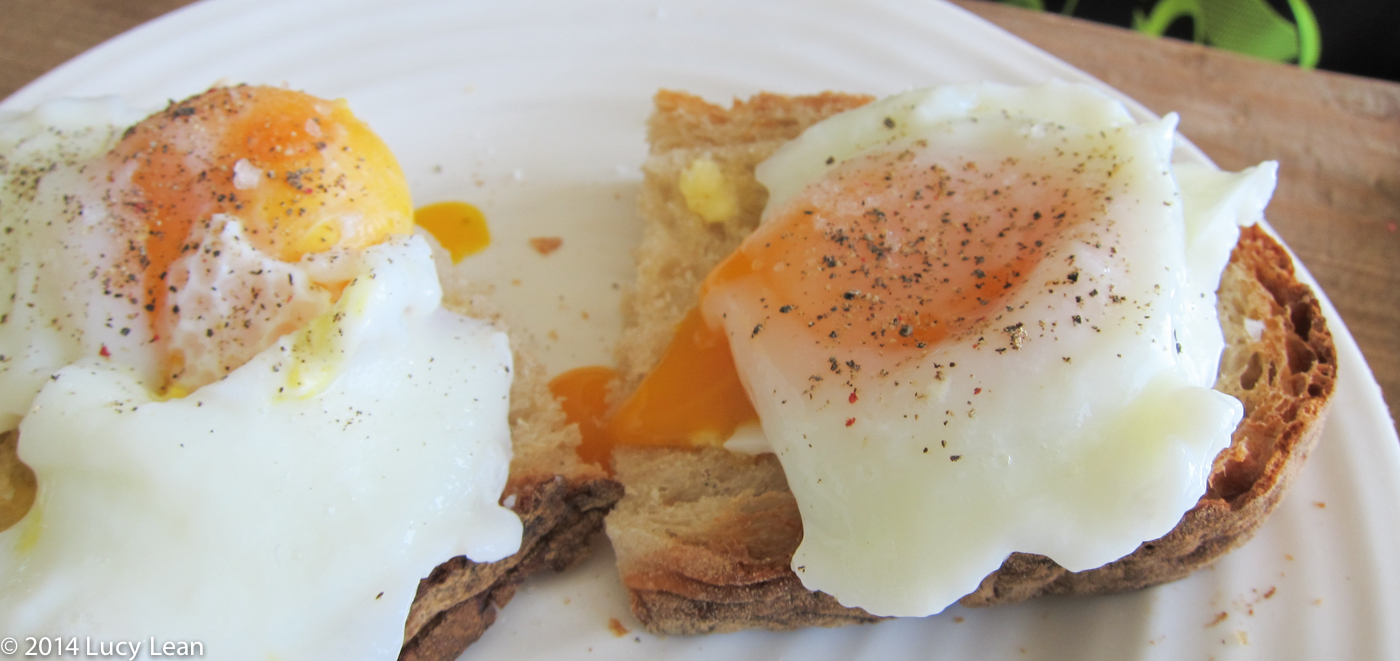 How to Poach Eggs by Rémy