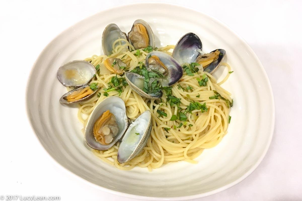 Spaghetti alle Vongole Spaghetti and clams