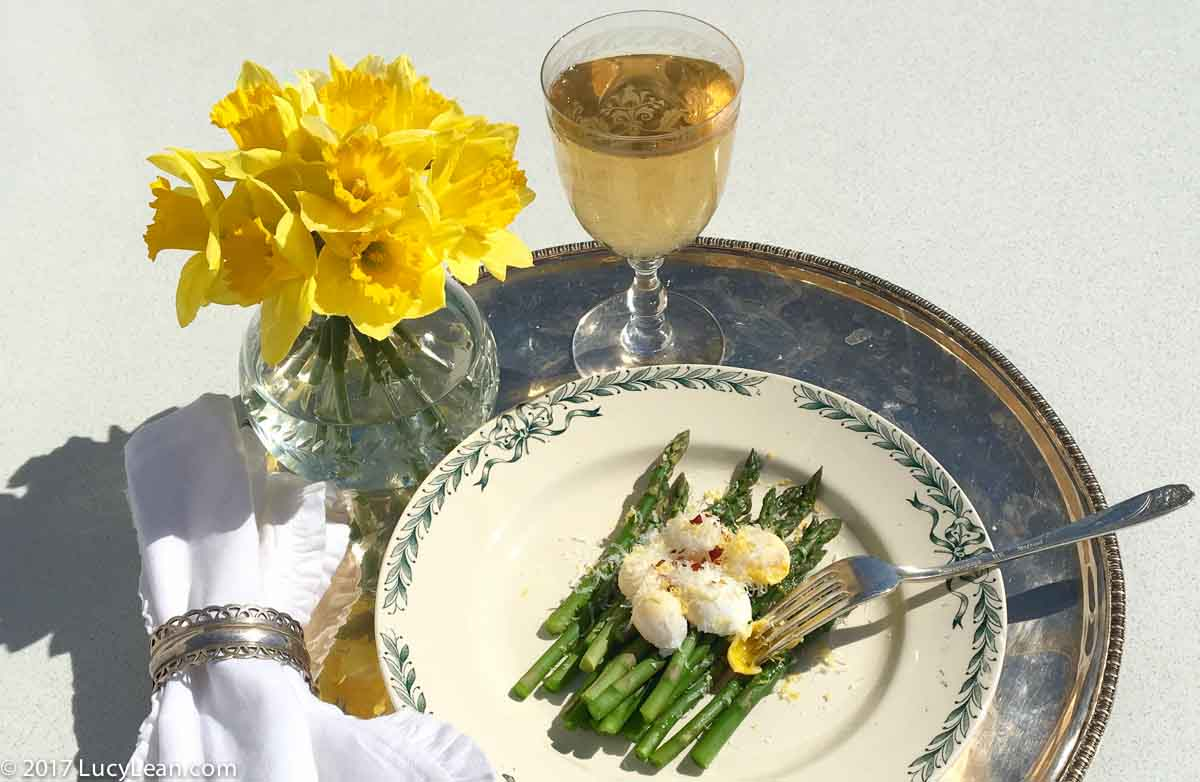 Poached Quail Eggs and Asparagus